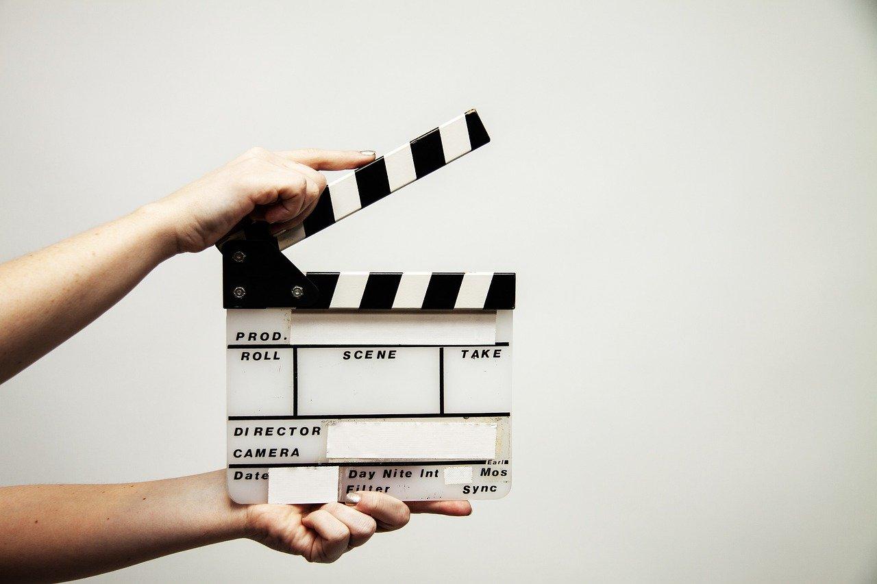 Filmklappe halboffen